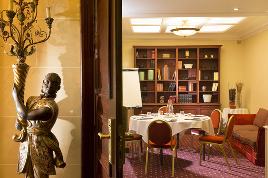 Hotel Napoleon Paris: meeting room