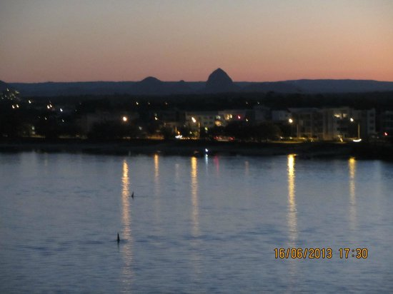 Caloundra, Australia: Twilight view from our balcony