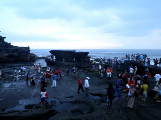 Canggu, Indonezja: View from the top - with more crowd