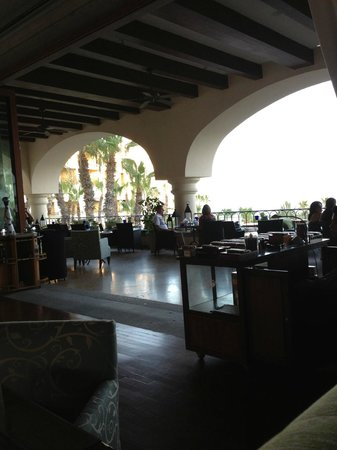 Hilton Los Cabos Beach & Golf Resort: lobby restaurant/bar