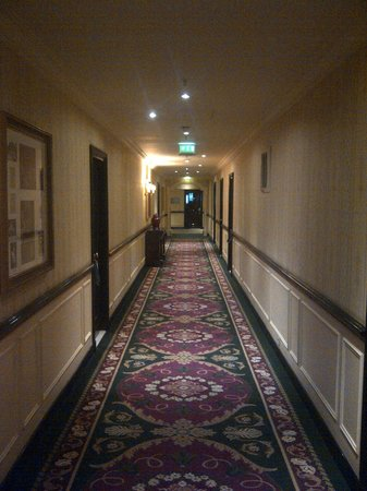 InterContinental Paris Le Grand : hallway on 2nd floor