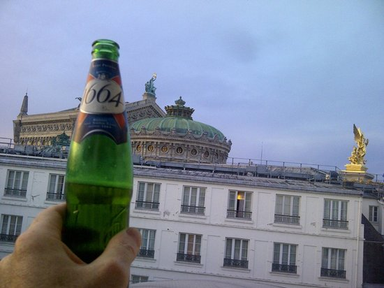 InterContinental Paris Le Grand : toast to the opera house from the club lounge