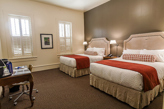 Florence, SC: Double Queen Guest Room
