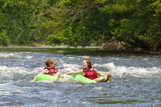 Bucks County, PA: Tubing Down the Delaware River (Anthony Sinagoga Photography)
