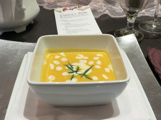 Arnold, CA: butternut squash & roasted garlic bisque