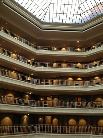 The Westin Grand Berlin: View of the interior - a very grand hotel