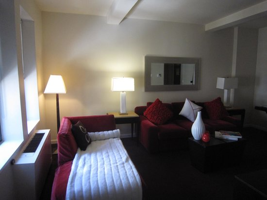The Court - A St Giles Premier Hotel: Living Room
