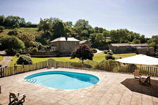 Outdoor heated swimming pool picture of totnes devon for Heated garden swimming pools