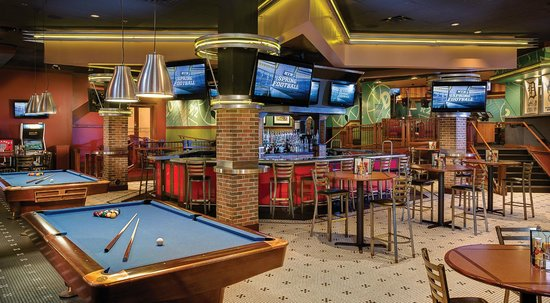 Gp sports bar restaurant picture of amway grand plaza for Grand bar cuisine