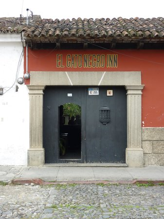 El Gato Negro (Black Cat Hostel)