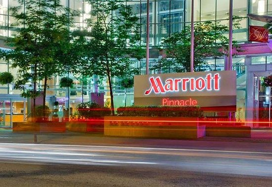 ‪Vancouver Marriott Pinnacle Downtown Hotel‬