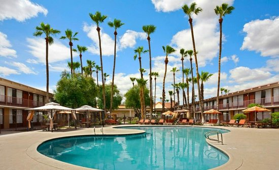 Photo of Clarion Hotel Scottsdale