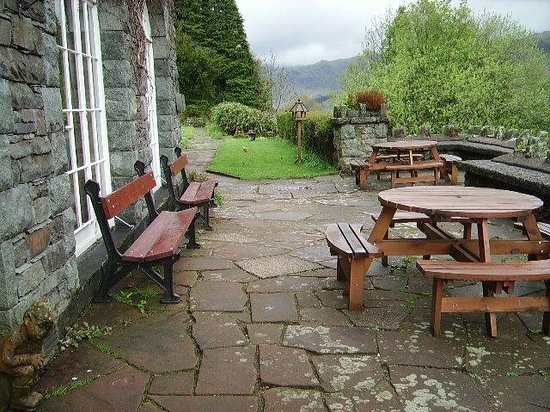 Bampton, UK: Sit outside anjoy the view and wildlife