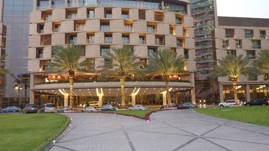 hotel main entrance best rooms above lobby picture of al faisaliah hotel. Black Bedroom Furniture Sets. Home Design Ideas