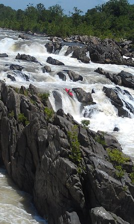 Great Falls Park: only God could create such beauty.