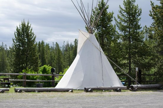 Madison Arm Resort: Teepee for rent
