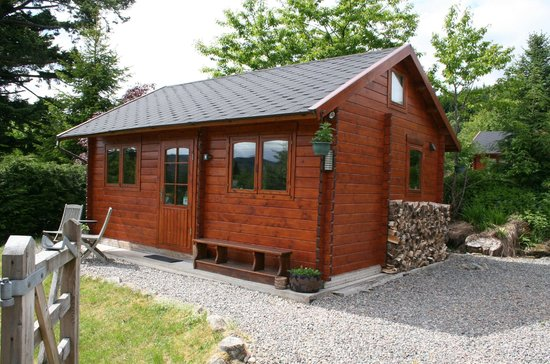 Hill Cottage: The log Cabin