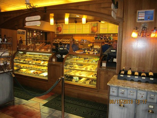 apple pie bakery display case and service counter. Black Bedroom Furniture Sets. Home Design Ideas