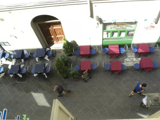 Hotel Nuova Italia: view of the happening via faenza from our room