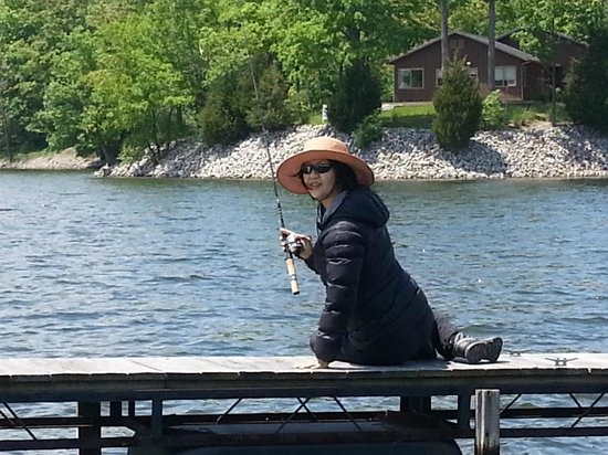 Creal Springs, IL: my wife fishing