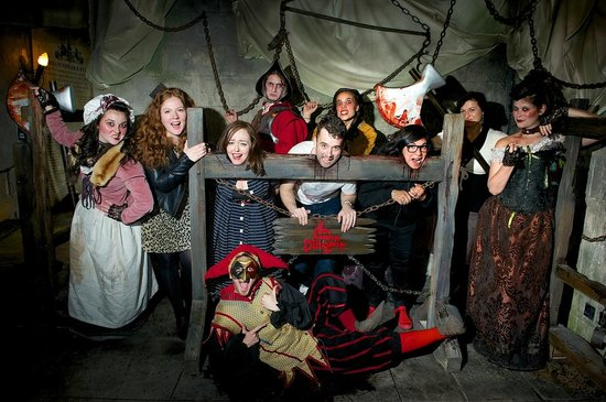 The Dugneon Cast Picture Of The London Dungeon London