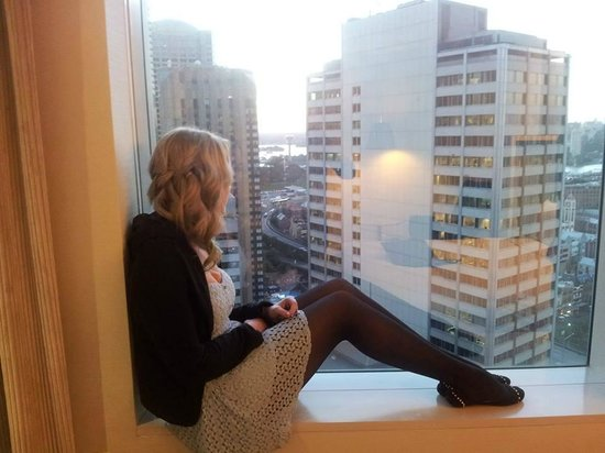 you can sit in the window picture of marriott sydney