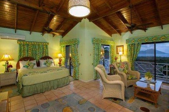 The Mount Nevis Hotel: Suite Evening