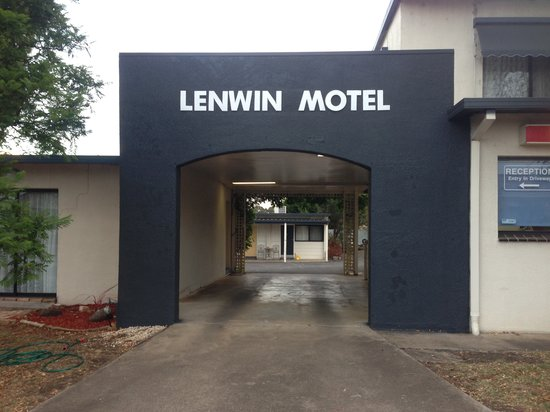 ‪Lenwin On The Lake Motor Inn‬