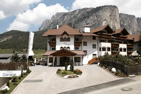 Photo of Hotel Miravalle Selva Di Val Gardena