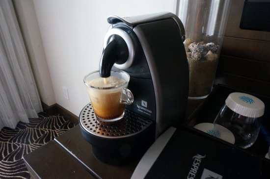 Koa Kea Hotel & Resort: There was also complimentary nescafe coffee in the room