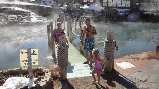 Pagosa Springs, Колорадо: Bridge to one of the springs is submerged in water