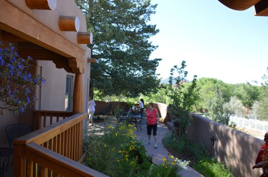 Casa Cuma Bed & Breakfast: Lovely surrounds in which to eat breakfast weather permitting