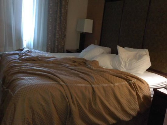 Bedding picture of comfort suites plano plano tripadvisor for Comfort inn bedding