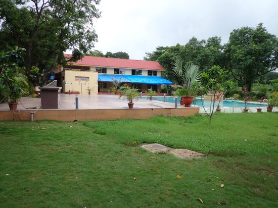 Pool Area Picture Of Daman Ganga Valley Resort Silvassa Tripadvisor