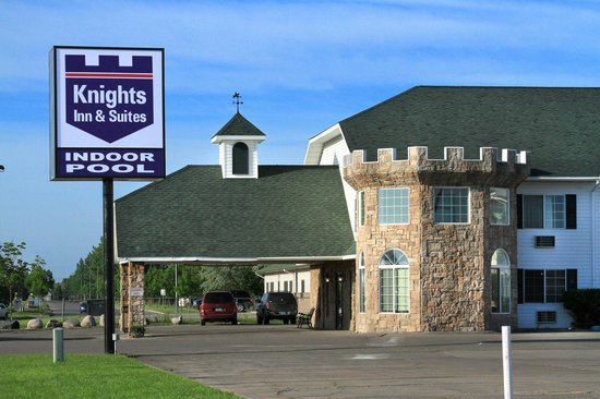 ‪Knights Inn & Suites‬