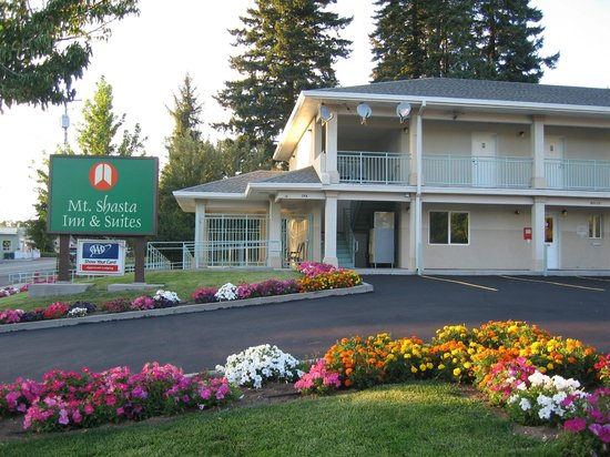 ‪Mt. Shasta Inn and Suites‬