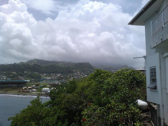 Grand View Beach Hotel: View from patio