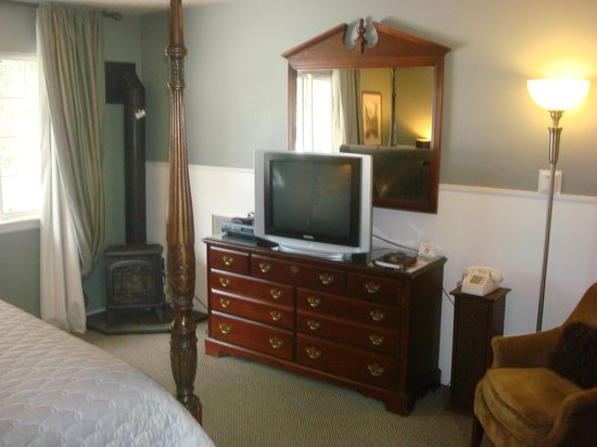 Cinnamon Bear Inn: Bedroom