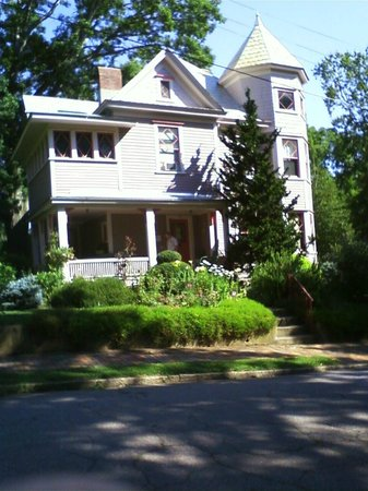 27 Blake Street Bed & Breakfast: Front view of the B&B