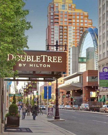 Doubletree by Hilton Philadelphia Center City Photo