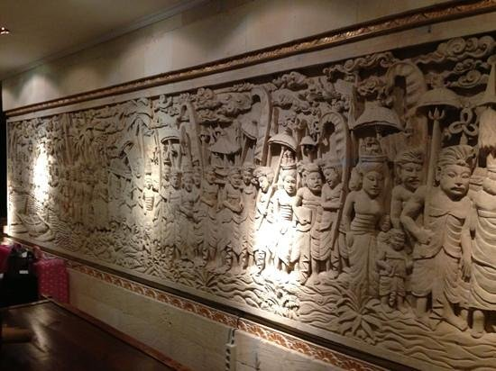 Amazing balinese stone carving inset in the lobby