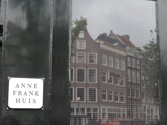 personal reflection of anne franks house The diary of a young girl anne franks tales from the secret annex the diary of a  environments fr anne frank rick steves tour anne frank house amsterdam deine.