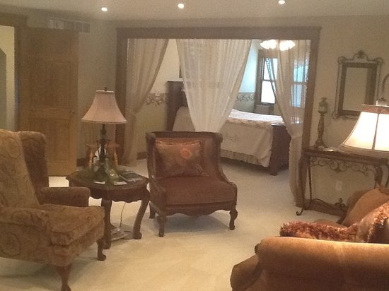 The Dwelling Place Bed &Breakfast