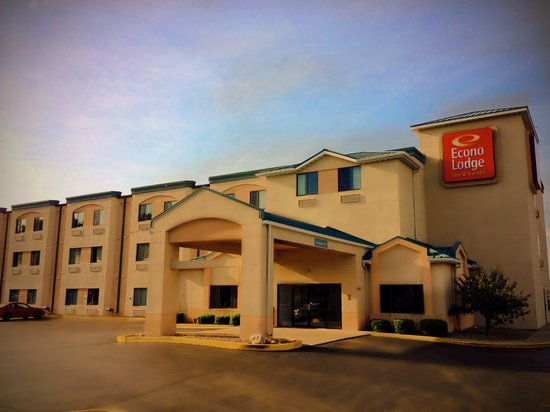 Photo of Econo Lodge Inn & Suites Peoria