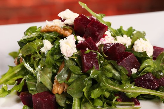 Roasted Beet & Arugula Salad with Goat Cheese, Walnut and Pomegranate ...