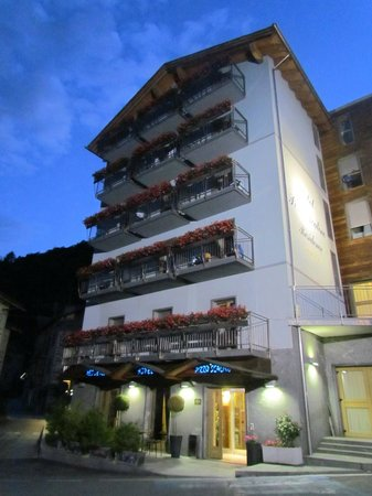 Photo of Hotel Residence Pizzo Scalino Chiesa In Valmalenco