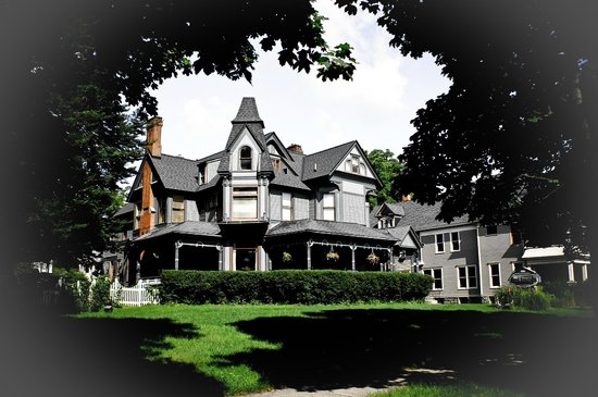 Photo of Stuart Avenue Inn Kalamazoo