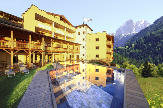 Photo of Hotel Bergschlossl Luson