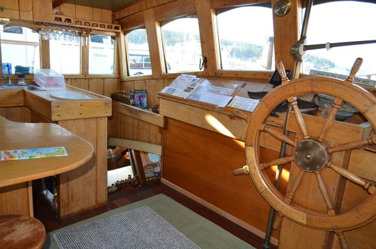 Wharfside Bed and Breakfast Aboard the Slowseason: Wheelhouse and Galley