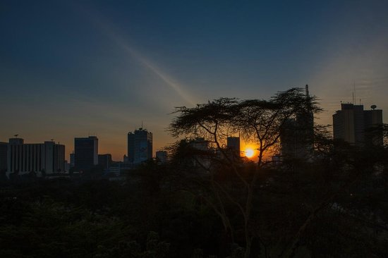 Nairobi Serena Hotel: Sunrise from our room Window